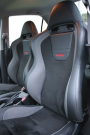 Mitsubishi Lancer Evolution IX interior comes with Recaro sport seats