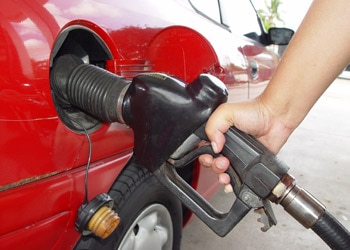 There a number of great apps designed to help you save money at the pump