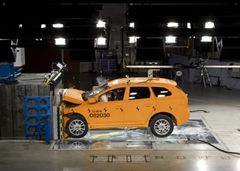 A crash test of Volvo's XC60 model at their testing facility