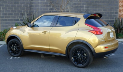 A three-quarter rear view of the Nissan Juke SL AWD CVT