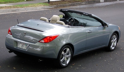 A three-quarter rear view of a Pontiac G6 GT Convertible