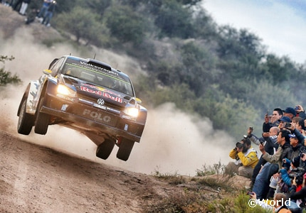 Andreas Mikkelsen races his Volkswagen in Argentina at the 2015 World Rally Championship