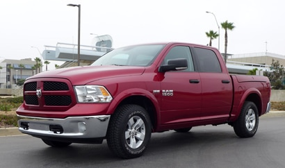 A three-quarter front view of the 2013 Ram 1500 Crew Cab 4x4