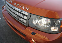 A view of the 2006 Range Rover Sport Supercharged's front grill