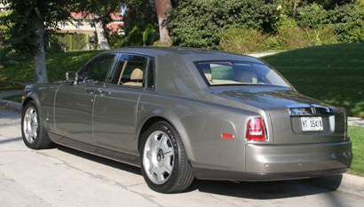 A three-quarter rear view of a 2006 Rolls-Royce Phantom