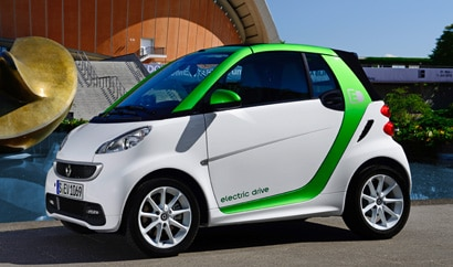A three-quarter front view of a smart fortwo electric drive