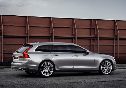 A three-quarter rear view of the 2017 Volvo V90