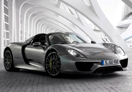 A three-quarter front view of the Porsche 918 Spyder