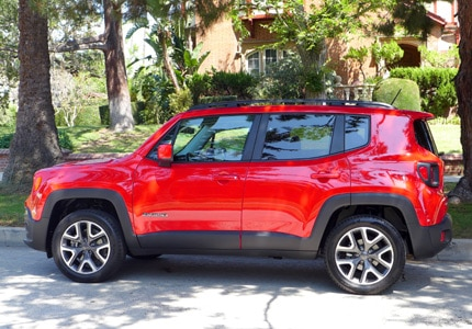 A side view of the 2016 Jeep Renegade Latitude 4x4