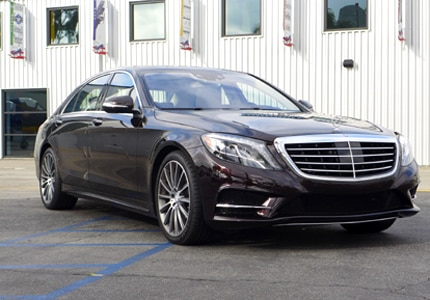 A three-quarter front view of the 2015 Mercedes-Benz S550