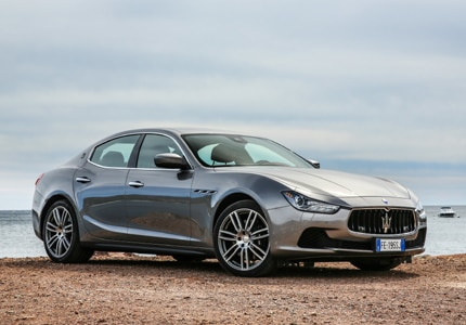 A three-quarter front view of the 2016 Maserati Ghibli