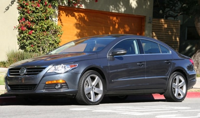 A three-quarter front view of a 2009 Volkswagen CC