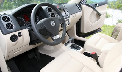 An interior view of a 2009 Volkswagen Tiguan