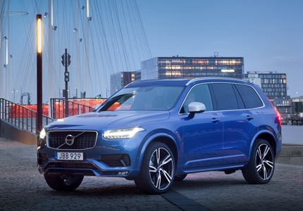 A three-quarter front view of the 2016 Volvo XC90 T6 AWD R-Design, GAYOT's Car of the Month for October 2016