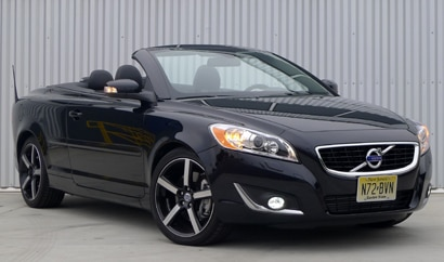 A three-quarter front view of a 2012 Volvo C70 Inscription