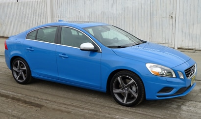 A three-quarter front view of 2013 Volvo S60 R-Design