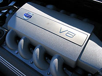 The 4.4-liter V8 engine of the 2007 Volvo S80 V8