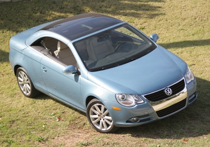 The Volkwagen Eos features the first-ever sunroof in a hardtop convertible
