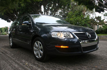 A three-quarter front view of a 2007 Volkswagen Passat Wagon 2.0