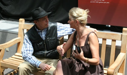 Dr. Gunther von Hagens leisurely discussing Plastination with Sophie Gayot