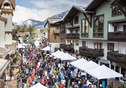 Taste food and wine from more than 30 local chefs and wineries in an enchanting atmosphere at the Taste of Vail in Colorado