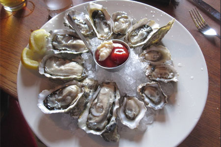 Pacific oysters (image by Flickr user Claire)