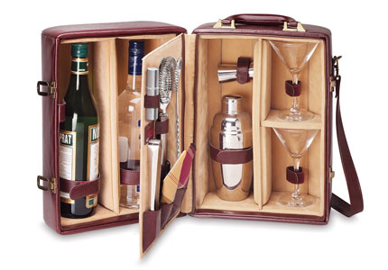 Picnic Time's Portable Cocktail Set makes a great Mad Men-style gift for Dad this Father's Day