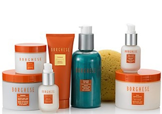 The Borghese Tranquil Dreams Gift Set comes with eight soothing spa products