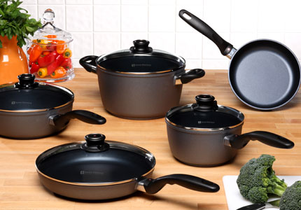 One of GAYOT's Top 10 Holiday Gifts, Swiss Diamond cookware allows chefs to cook without oil