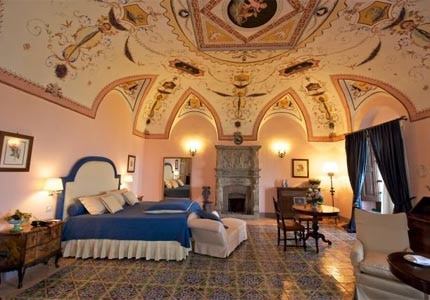 A guest room at Villa Cimbrone Hotel in Italy