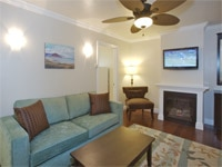 A living room at Beach Bungalow Inn & Suites in Morro Bay, California