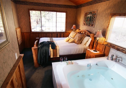A cozy guest room at Big Bear Cabins California, one of GAYOT's top-rated hotels in Big Bear, California