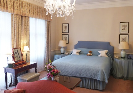 A guest room at Draycott Hotel, one of GAYOT's Top 10 Value Hotels in London