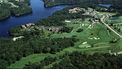 Aerial view of Eagle Ridge Resort & Spa and golf links