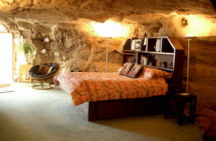 A bedroom at Kokopelli's Cave Bed and Breakfast in Farmington, New Mexico