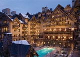The pool of Four Seasons Vail in Colorado