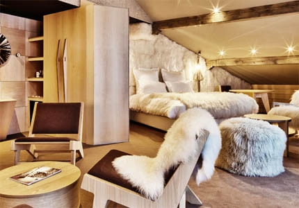 A guest room at Altapura in Val Thorens, France
