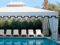 The pool at Viceroy Palm Springs, part of the Kor Hotel Group, which promises a 21-day advance purchase discount on rooms