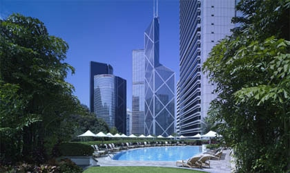 The swimming pool at Island Shangri-La in Hong Kong