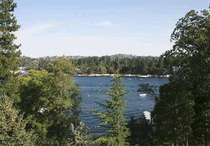 Go on a water excursion during your stay at Lake Arrowhead Resort and Spa, one of GAYOT's featured hotels in the Big Bear area