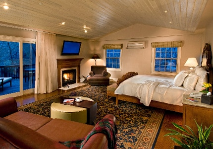 A guest room at L'Auberge de Sedona, one of GAYOT's top-rated hotels in Sedona, Arizona
