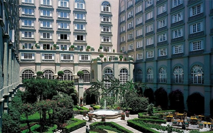 The courtyard of the Four Seasons Hotel México, D.F.