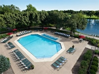 The pool of Hilton Chicago/Oak Brook Hills Resort & Conference Center in Illinois