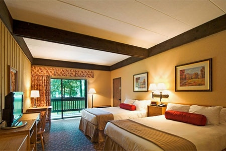 Room at Deer Creek Lodge and Conference Center, Mount Sterling, OH
