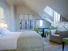 Room at L'Absinthe, Honfleur, FR