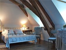 Room at Auberge La Lucarne aux Chouettes, Villeneuve sur Yonne, FR