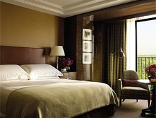Room at Four Seasons Hotel London at Park Lane, London, GB