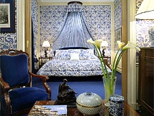 Room at Hotel San-Regis, Paris, FR