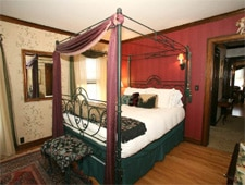 Room at A Tuscan Estate Bed & Breakfast , McMinnville, OR