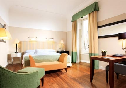 A guest room at Grand Hotel de la Minerve in Rome